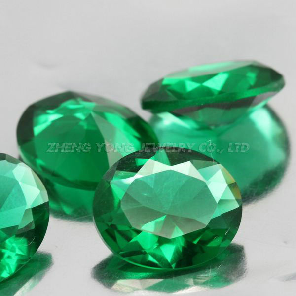 Hot Sale 1000pcs 7*9mm Oval Shape Brilliant Cut Green Loose Glass Stone