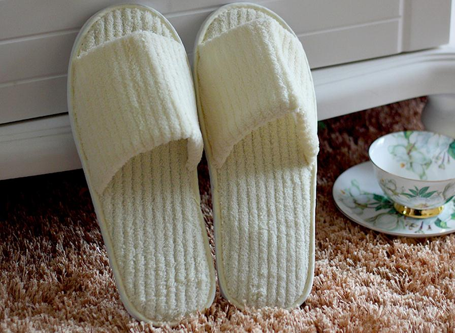 5 pairs better style disposable non-woven slippers, double travel one-time clean slippers. public places, hotel  shose.light. heart shape non woven invisible disposable nipple covers