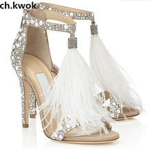 61e64da39a0 Ch. kwok New Hot Venda Sapatos de Noiva de Luxo Cristal Branco Embelezado  Penas Franjas Sandálias de Strass Sapatos De Salto Alt..