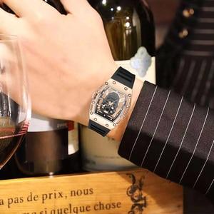 Image 5 - แฟชั่น Tonneau Skeleton นาฬิกาผู้ชายกลวงกันน้ำ Skull นาฬิกาควอตซ์ชายนาฬิกาข้อมือซิลิโคนนาฬิกาผู้ชาย erkek Kol saati