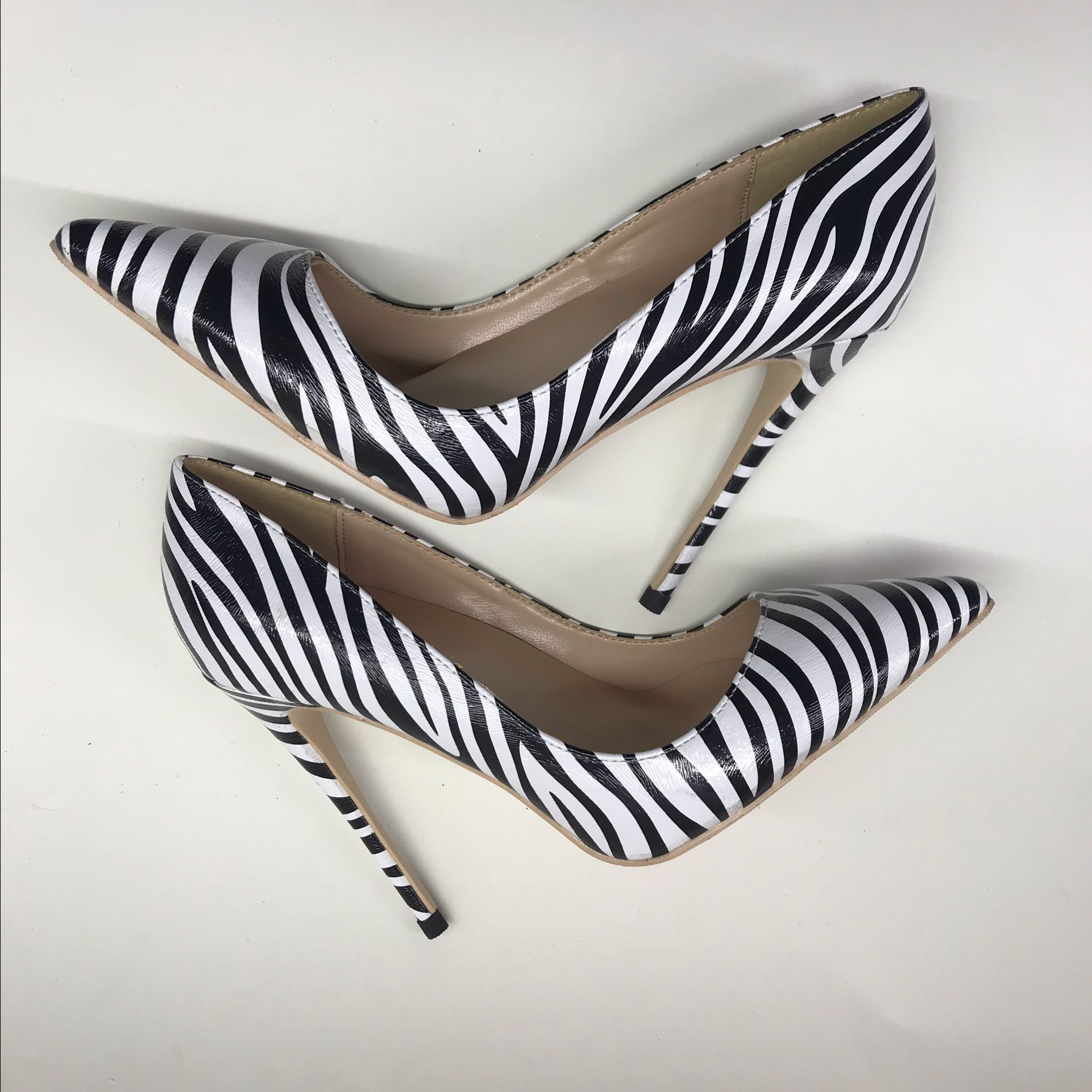 European and American style early autumn new zebra striped horse hair pointed high heel shoes sexy shallow-mouthed womens singlEuropean and American style early autumn new zebra striped horse hair pointed high heel shoes sexy shallow-mouthed womens singl
