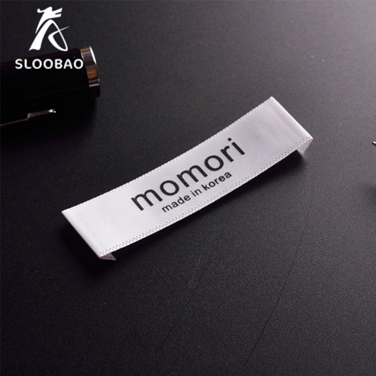 Free Shipping Custom End Folded Satin Ribbon Fabric Labels   Sewing Tags For Garment Label Custom Logo Printed Clothing   Tags