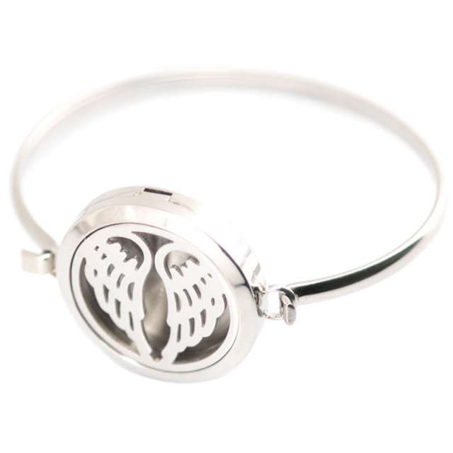 New design 5pcs Angel Aromatherapy / 316L s.steel Essential Oils Diffuser Locket bangle 7''-8''wrist and 20pcs felt pads 3