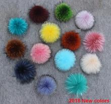 2020 hurtownie 15 sztuk/partia prawdziwe futro szopa pompon prawdziwe futro Pom poms dla kobiet dzieci czapka zimowa Skullies Beanie kapelusz DIY pompony