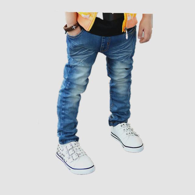 Marca crianças Jeans meninos 2015 nova moda meninos inverno calças sólidos azul meados calça Casual grandes bolsos para marca crianças Jeans meninos