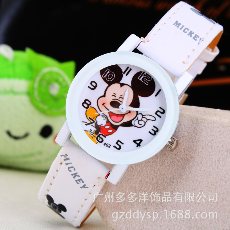 New 2018 Fashion Cool Mickey Cartoon Watch For Children Girls Leather Digital Watches For Kids Boys Christmas Gift Wristwatch Watches