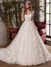 Lace Appliques Three Quarter Sleeves Bridal Gowns Fashion Exquisite Sexy V-Neck Beaded Ball Gown Wedding Dress Vestido De Noiva