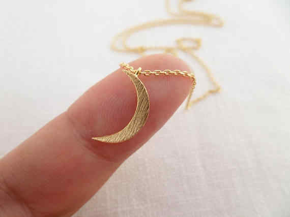 Crescent Moon Necklace Tiny Gold Silver or Rose Gold Moon Jewelry Dainty and Delicate Birthday Wedding Bridesmaid Gift YLQ0648