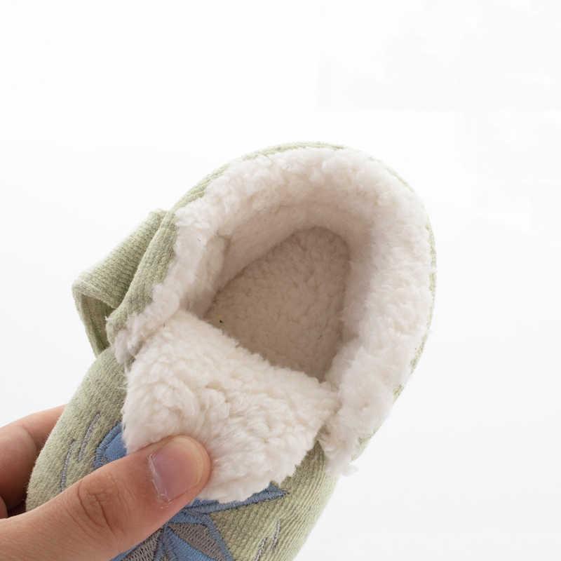Детская зимняя плюшевая обувь с мехом из мультфильма; Домашние мягкие теплые тапочки для маленьких мальчиков и девочек; детские Нескользящие Вьетнамки для малышей
