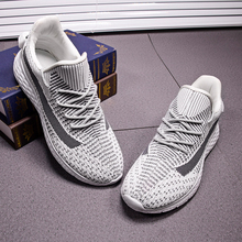 Male Shoe Sneakers Hot Sale 2019 Summer Exceed Light Fly Fabric Ventilation Network Motion Leisure Man Fashion Running Shoes
