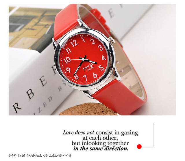 Fashion Fabulous Pretty Jelly Quartz Wrist Watch Women Colorful Lady Wristwatch Women Relogio Masculino Pink Red Blue 3CM Small