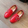 2017 Nuevos niños Del Otoño zapatos de un solo zapatos de cuero de LA PU niños del mocasín de los holgazanes zapatos de TAMAÑO EURO 26-30 Niños Zapatillas de deporte 906