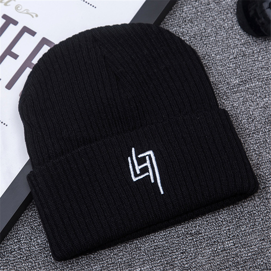 2017 Autumn And Winter Womens Beanie Brand Knitted Hat Turban Butterfly Diamond Skullies Cap Ladies Lnit Hats For Women A55
