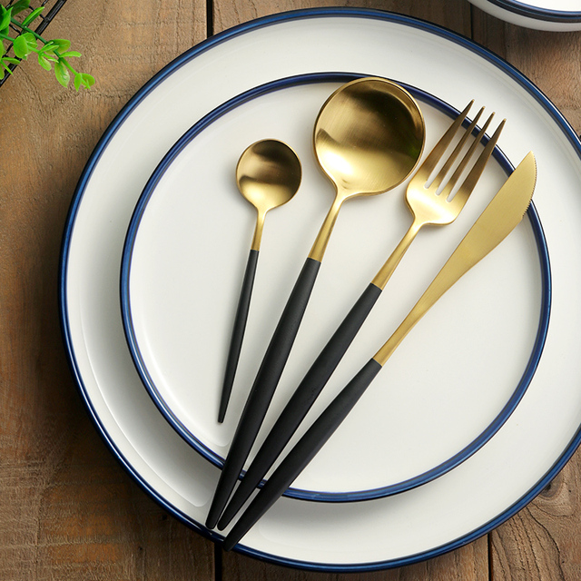 24pcs Western Luxury Black Gold Cutlery Set 18/10 Stainless Steel Frost Dinner Knives Forks & 24pcs Western Luxury Black Gold Cutlery Set 18/10 Stainless Steel ...