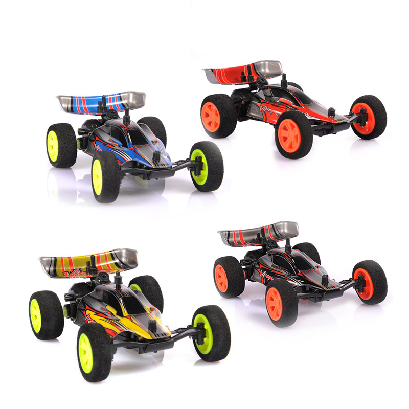 20KM/h 1:32 Mini 2.4G Chargeable High Speed Drift Toy Remote Control Car Black RC CAR  For Children Christmas Gift ZG9115