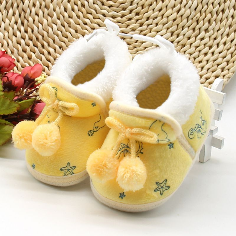 Baby Girls Shoes First Walk Newborn Baby Flock Warm Soft Boots Pre-walker Shoes Infant Boy Toddler Soled First Walker Bootie