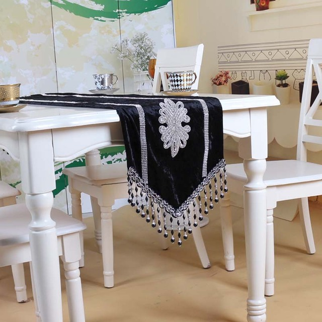 Luxurious European Style High Quality Velvet Rhinestone Table Runner /tablecloth/table Cover/bed