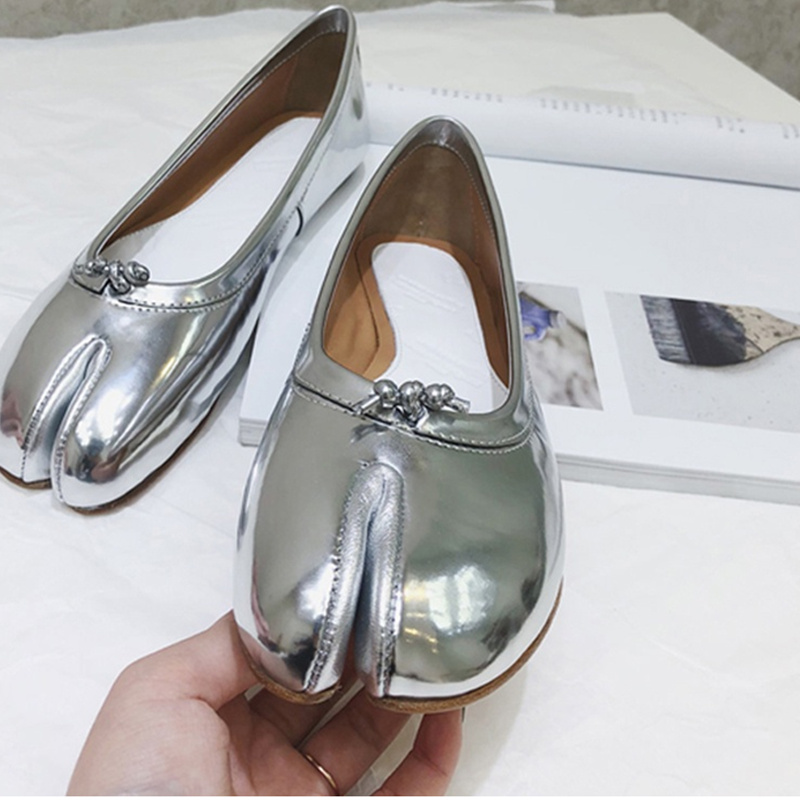 2018 Women Flats Separated Toe Ins Hot Spring Summer Shoes Woman Casual Shoes Low Top Solid Leather Shoes Brand Runway Star Shoe e lov women casual walking shoes graffiti aries horoscope canvas shoe low top flat oxford shoes for couples lovers