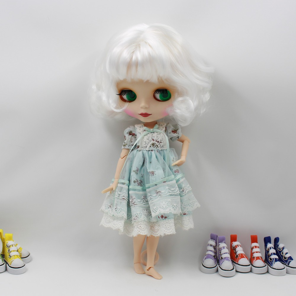 Neo Blythe Doll with White Hair, White Skin, Matte Face & Jointed Body 3