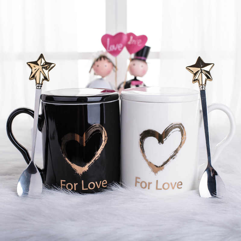 Fashion Cute Couple Loving Heart Ceramics Mugs Black and White Cups Office Coffee Tea Milk Mug Friend Gift Cup with Star Spoon