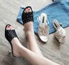 2018 summer new fashion sexy wear mid-heeled sandals word female slippers high heel fine with