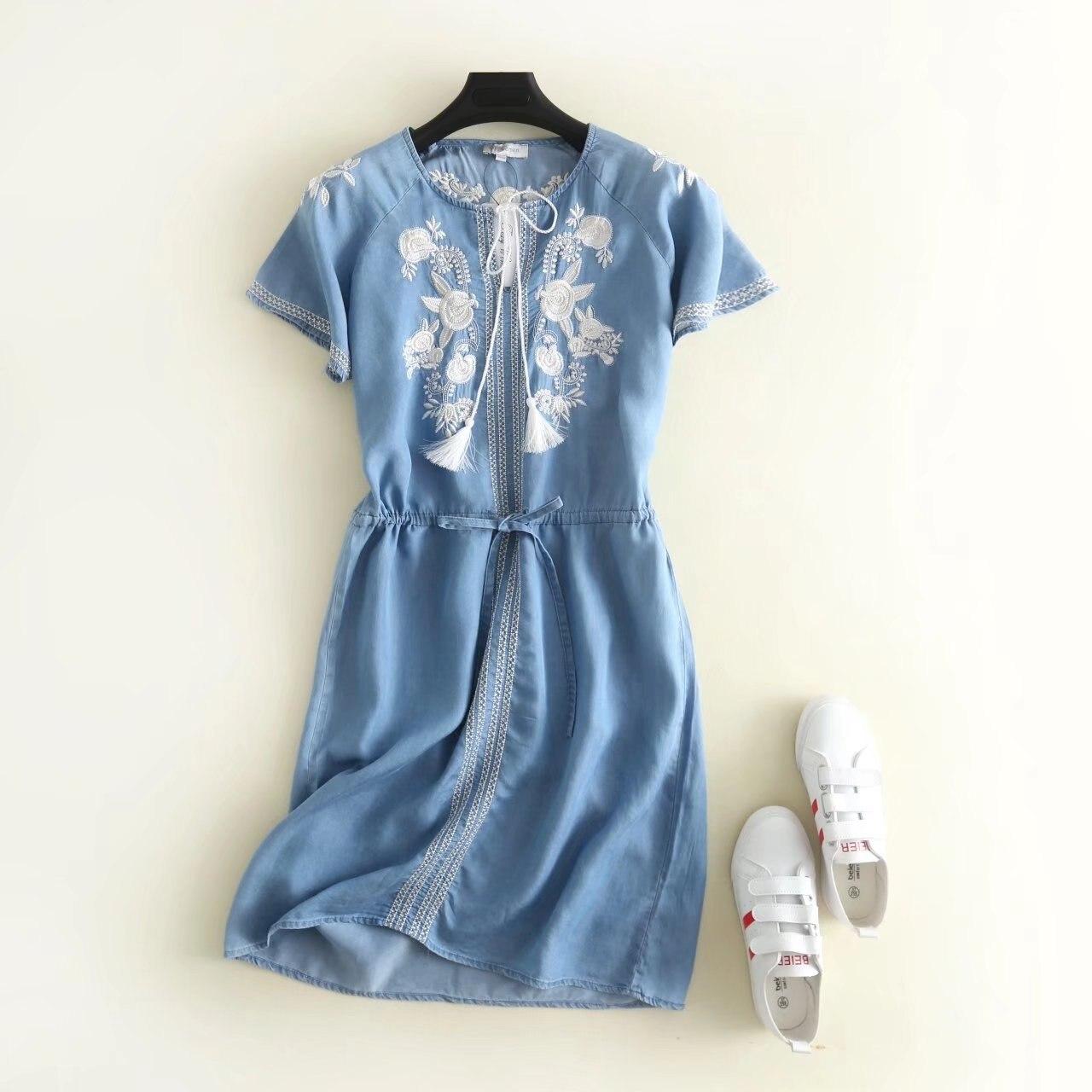 2019 été nouveauté cordon à lacets taille Denim robe Slim Floral broderie dentelle robe avec des glands livraison gratuite
