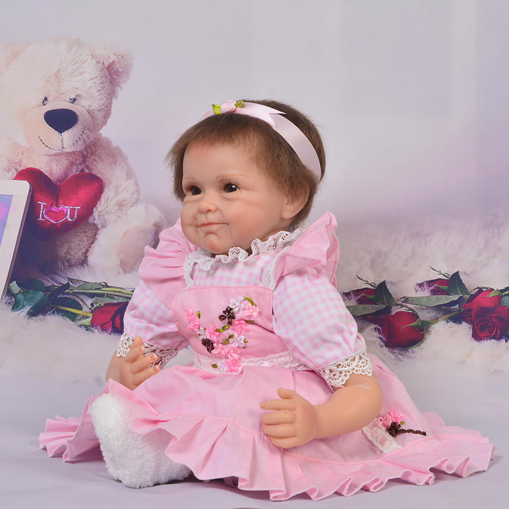 Lovely 22 Inch Reborn Silicone Baby Dolls Newborn Lifelike Babies Doll Toy Handmade Cloth Body Brinquedo Kids Birthday Xmas GiftLovely 22 Inch Reborn Silicone Baby Dolls Newborn Lifelike Babies Doll Toy Handmade Cloth Body Brinquedo Kids Birthday Xmas Gift