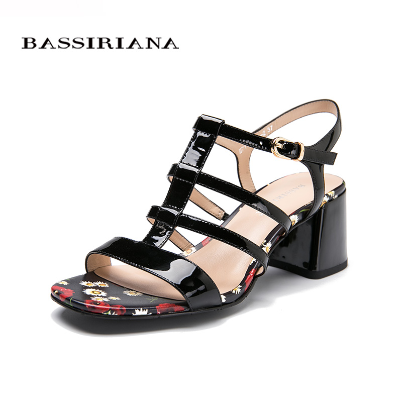 NEW Woman sandals Patent leather Black Back Strap Fashion Flower print Medium heels shoes 35-40 Free shipping BASSIRIANA 2014 new gold scorpion black patent leather flat women sandals shoes free shipping