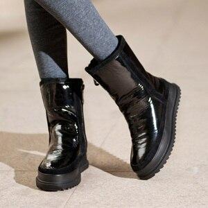 Image 2 - Vankding ماركة الشتاء الأحذية الجلدية الفراء الدافئة الثلوج حذاء من الجلد امرأة الموضة جولة تو أحذية بوت قصيرة منصة إسفين أحذية ركوب الخيل