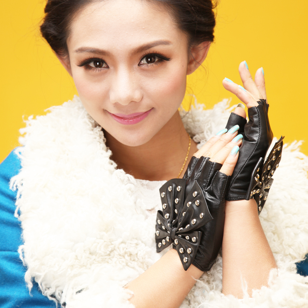 Kid leather driving gloves - Kids Leather Gloves