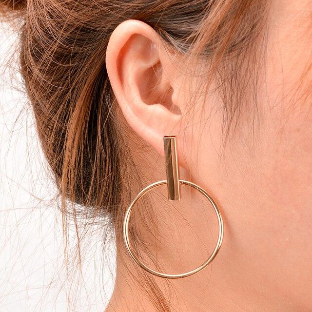 23c59c52a7c3a4 2018 nowy koreański proste Aros Hoop kolczyki dla kobiet geometryczne duże koło  ucha Hoop kolczyki Brincos