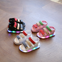 2017 Summer Boys and Girls Wild Casual Shoes Light Light Sports Sandals Beach Shoes Light LED Baby Shoes