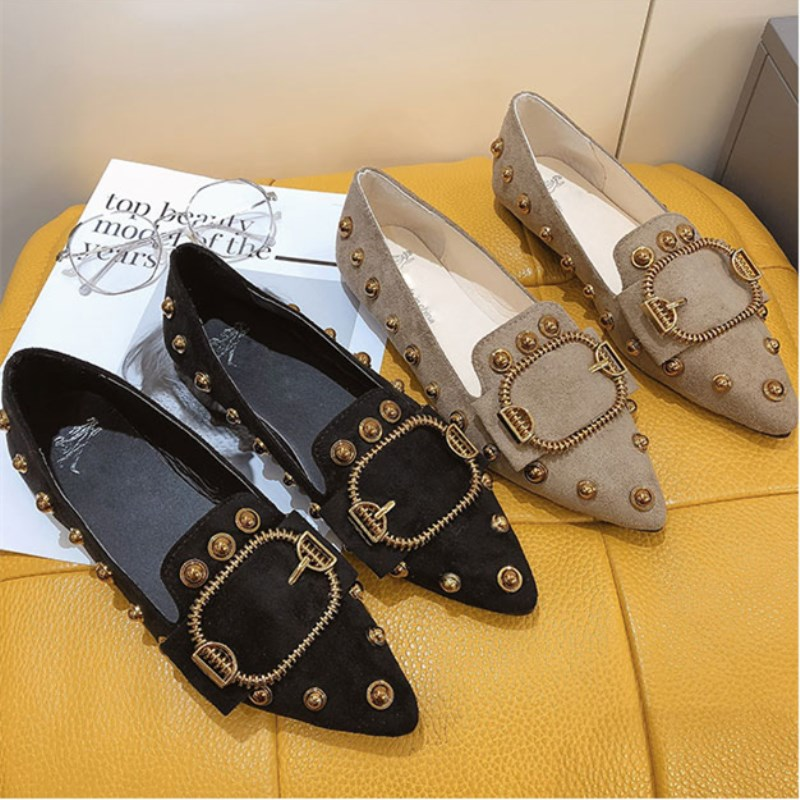 Women single shoes female Brand 2019 spring new pointed Ladies fashion wild rivets shallow mouth black high quality work shoe 4