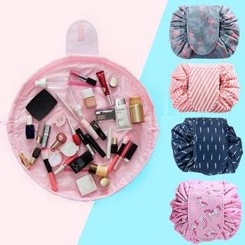 Trousse de maquillage avec différents motifs Accessoires de maquillage Bella Risse https://bellarissecoiffure.ch