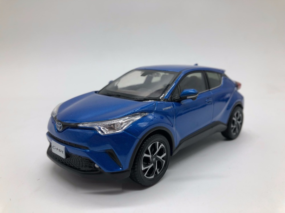 1 30 diecast model for toyota c hr 2017 blue alloy toy car collection c hr chr miniature in. Black Bedroom Furniture Sets. Home Design Ideas