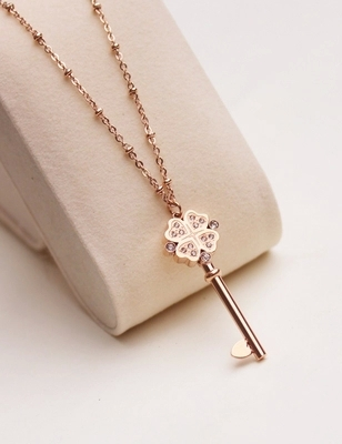 Fortunate Key Pendant Long Necklace Woman Gift Jewelry Titanium Rose Gold Color New Arrival Present Free Shipping Not Fade