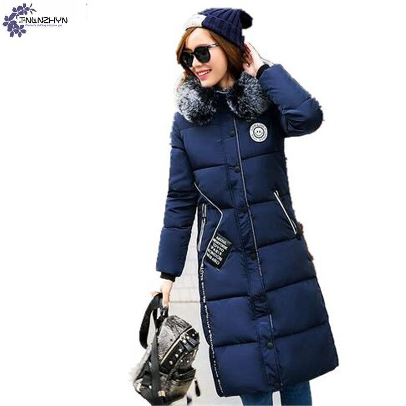 ФОТО TNLNZHYN Female Outerwear 2017 New winter fashion warm Large size Thick Hooded Fur Collar Women's clothing Cotton overcoat AK347