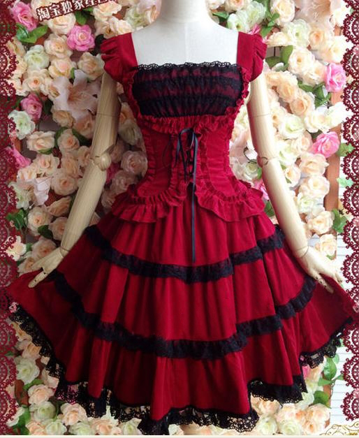 Fashionable princess dress Slim retro lace harness Puff Lolita Court Gothic style dress