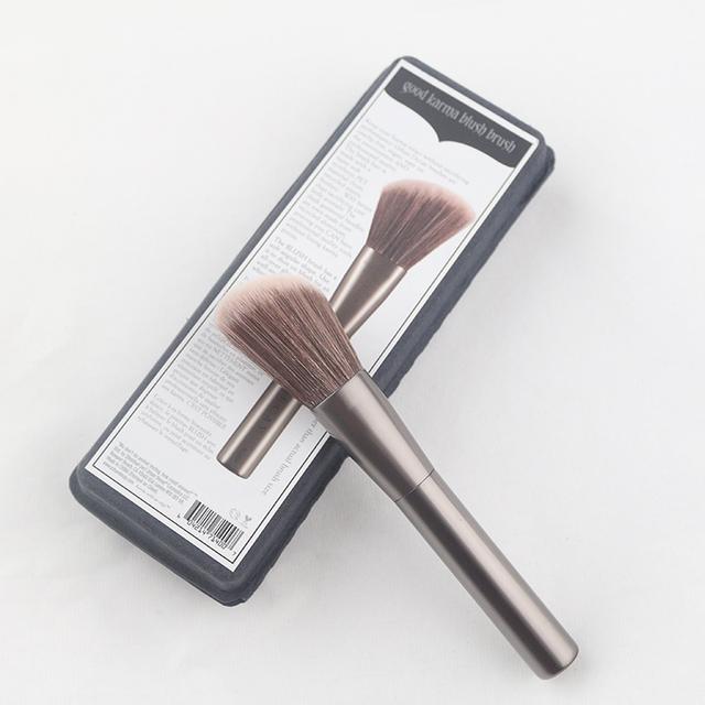 1 unids Pro Mujer Cosmético Pinceles Kabuki Powder Blush Fundación Face Flat Top Maquillaje de Sombra de Ojos Herramienta de La Belleza