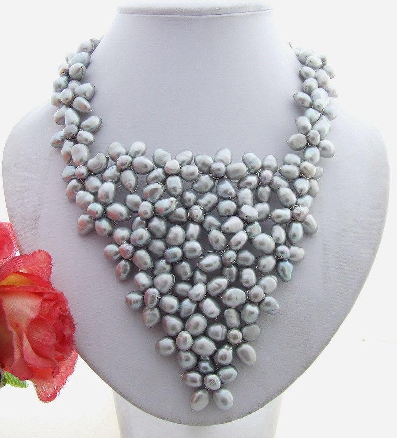 Stunning! Grey Black White Purple Pearl Flower Necklace