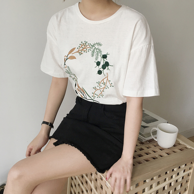 2019 Summer Small Fresh Embroidery Short Sleeve T shirt Korean Harajuku Style Loose T Shirt Women Casual Tops Tees in T Shirts from Women 39 s Clothing