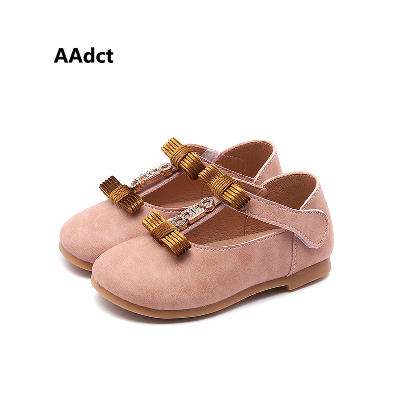 все цены на AAdct princess baby shoes 2018 autumn new little girls leather shoes with low-cut uppers bow fashion High-quality онлайн