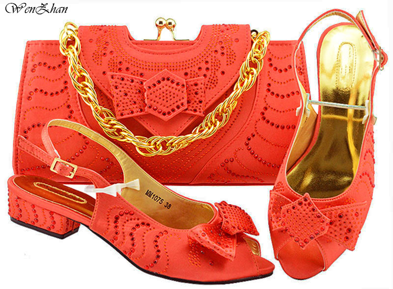 Latest Coral Color Italian Shoes With Matching Bag Set Decorated with Appliques African Wedding Shoes and Bag Party Set B89-22 g36 wholesale gold wedding shoes and bag set hot selling latest african wedding lady shoes matching bag with stones
