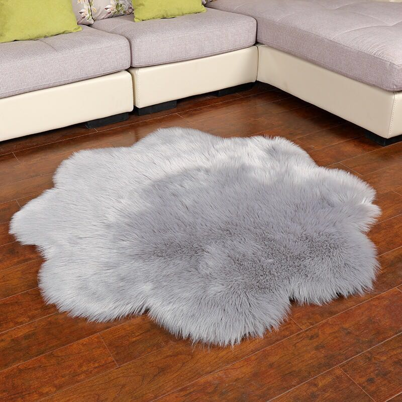 Faux Fur Floor Rug Flower Shaped Luxury Mat White/Grey