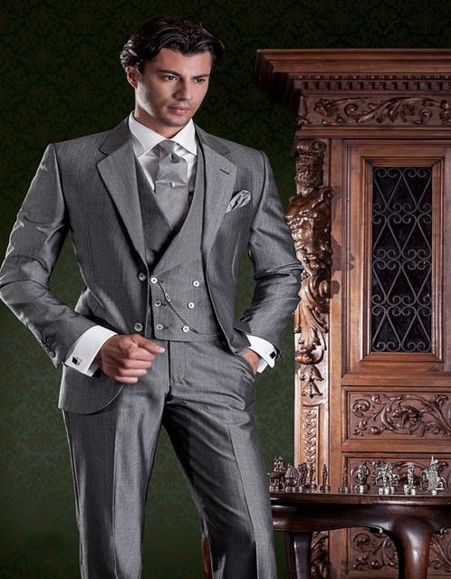 Fashionable Two Button Grey Groom Tuxedos Groomsmen Mens Wedding ...