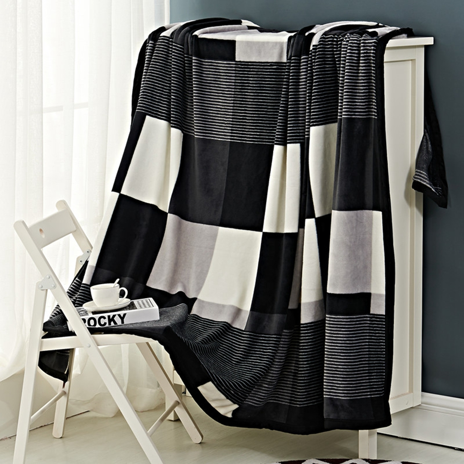 online get cheap polyester throw blanket aliexpresscom  alibaba  - black white and grey plaid fleece blanket on the bed  polyester modernflannelthrow blankets for adults multisize bed cover