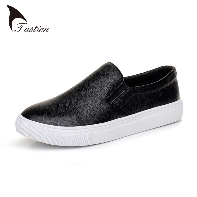 ФОТО Full Grain Leather Women Flats Shoes Loafers High Quality Casual White Black Women Patent Leather Fashion Shoes Flats Plus Size