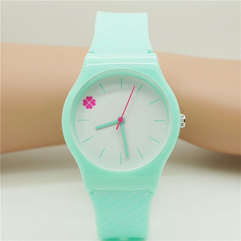 Giá bán New Arrival Simple Four-Leaf Clover Design Quartz Silicone WristWatch Students Children Womens Analog Kids Watches Relogio