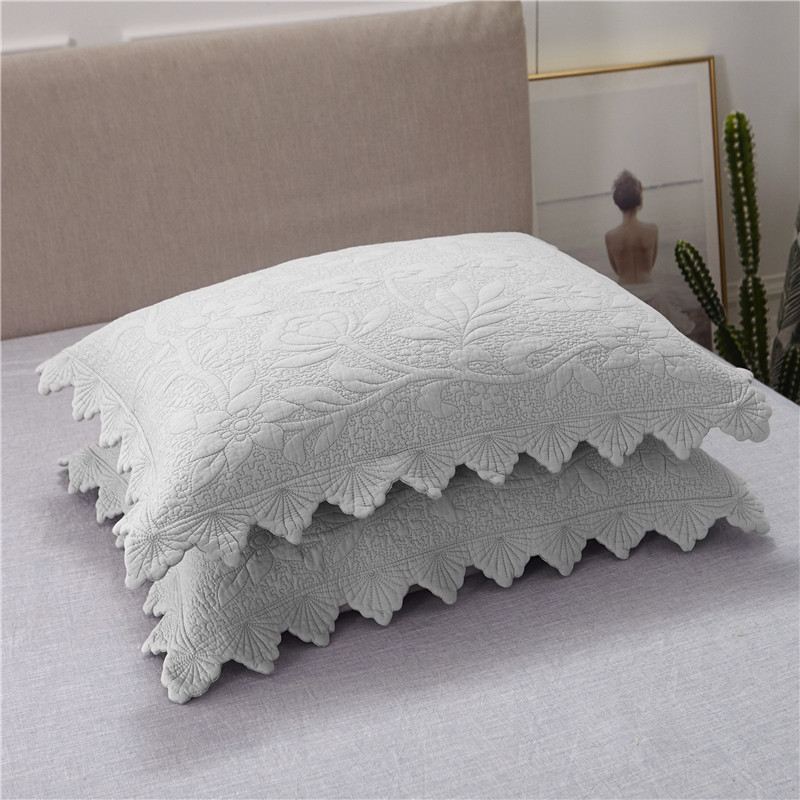 New Luxury European Style Gray White 100 Cotton Bedspread Bed Cover Bed Sheet Bed Linen Summer Quilt Blanket Pillowcases 3pcs in Bedspread from Home Garden