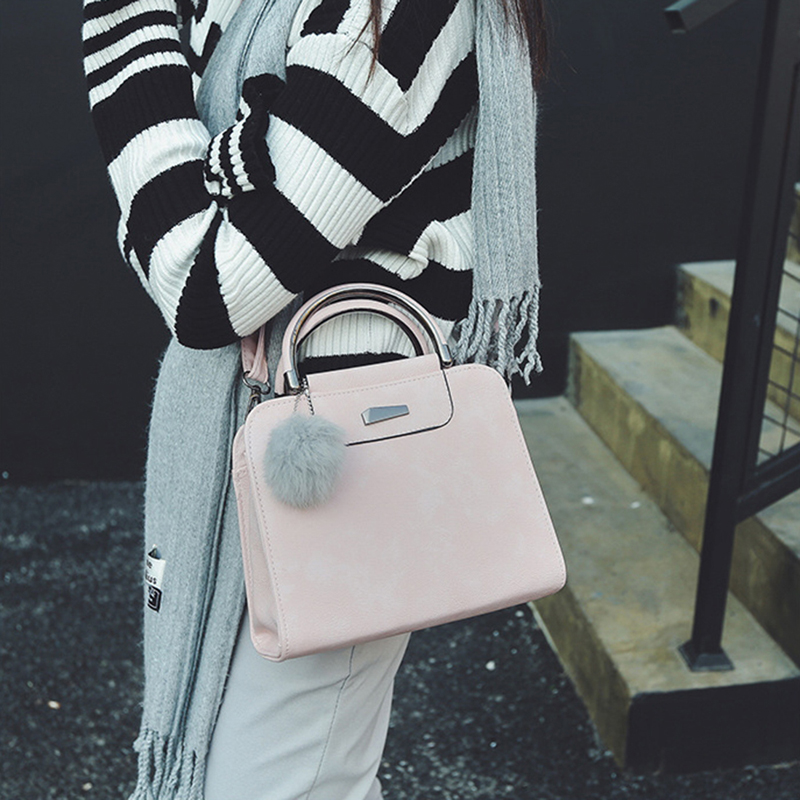 A new round of explosive sales in 2019, good quality and low price, crazy purchases, handbags red ordinary 32